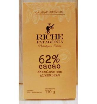 RICHE 62% CACAO CHOCOLATE CON ALMENDRAS BARRA 110GRS